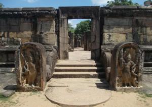 Trincomalee - Polonnaruwa - Sigiriya.jpg