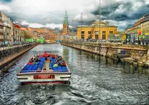 Roskilde - Copenhagen (32 Km / 1h 45min).jpg