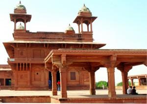 Agra - Jaipur (260 Km / 6-7h).jpg