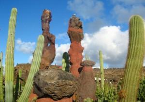 Lanzarote: Jardin De Cactus, Jameos Del Agua, Mirador Del Rio (85 Km).jpg