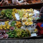 Mercato galleggiante Damnoen Saduak a Bangkok
