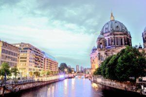 La Sprea e il Berliner Dom