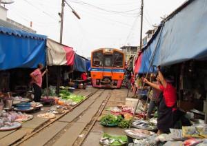 Bangkok: Mercati Caratteristici E Nakorn Pathom.jpg