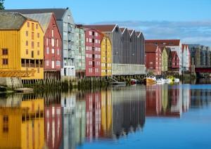 Molde - Trondheim (220 Km / 3h 50min).jpg