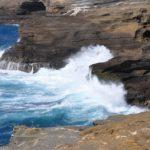 Il mare di Big Island e le sue formazioni laviche