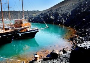 Akrotiri: Gita In Caicco Per L'arcipelago.jpg