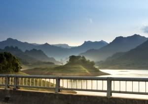 Ninh Binh - Parco Nazionale Di Cuc Phuong - Trang An - Hanoi (treno) Dong Hoi.jpg