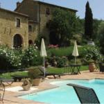 Casale e piscina