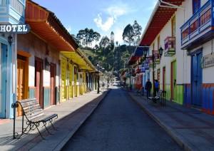 Bogotá (volo) Armenia / Paesaggio Culturale Cafetero.jpg