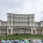 Palazzo del Parlamento a Bucarest (Foto di keluan da Pixabay)
