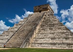 Uxmal - Chichén Itzá (85 Km / 1h 10min).jpg