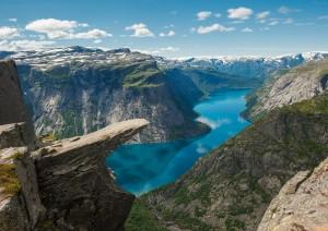 Hardangerfjord On The Road: Trolltunga, Vøringsfossen, Strada Panoramica Nazionale.jpg