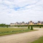 Castello di Fontainebleau circondato dall'immenso parco