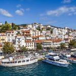 La cittadina di Chora e il porto