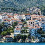 Paesino arroccato sul mare a Skiathos