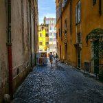 Una viuzza intorno a piazza Navona