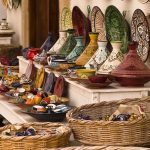Ceramiche tajine nel souq di Fez