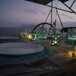 Cena in barca al tramonto [foto di Alessandro Bevilacqua]
