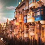 I tradizionali e coloratissimi balconi di Malta