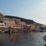 Isola di Ponza [Foto di pv746 da Pixabay]