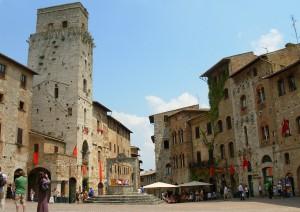 Carrara - San Gimignano - Colle Di Val D'elsa - Monteriggioni - Siena (185 Km / 3h).jpg