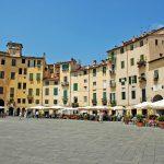 Piazza Anfiteatro di Lucca