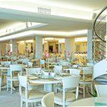 Zona pranzo del Veraclub Scoglio Della Galea