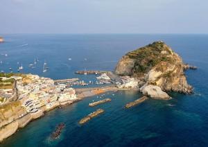 Ritrovo A Napoli (traghetto) Ischia.jpg