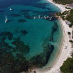 Spiaggia della Costa Smeralda [Photo by nicontents on Unsplash]