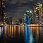 A Dubai si può passeggiare lungo la Marina