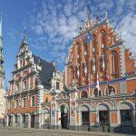 La Casa delle Teste Nere, uno degli edifici più conosciuti di Riga