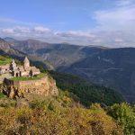 Monastero di Tatev, costruito a picco sulla gola del fiume Vorotan