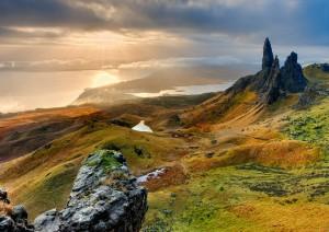 Isola Di Skye: Old Man Of Storr, Kilt Rock, Loch Mealt, Staffin Bay, Quiraing, Fairy Glen (75 Km / 1h 45min).jpg