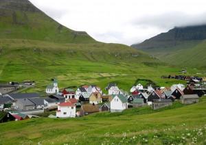 Gjogv - Kunoy - Viðareði - Søldarfjørdur - Tórshavn (140 Km / 2h 30min).jpg